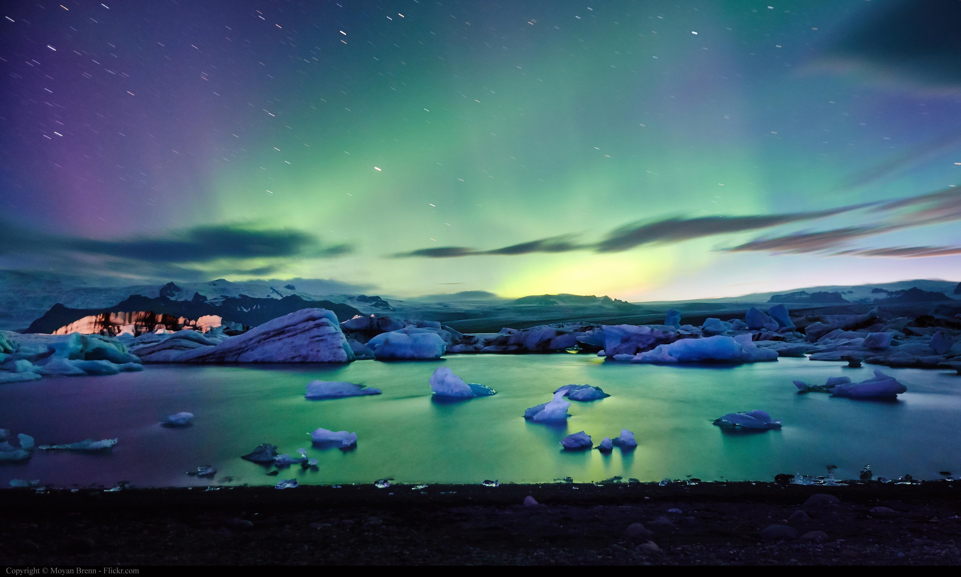 아이슬란드에서 오로라 만나기-오로라 보기 좋은 시기, 지역, 오로라 앱
