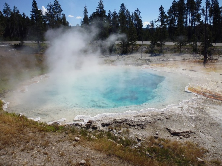 geyser-677768_960_720