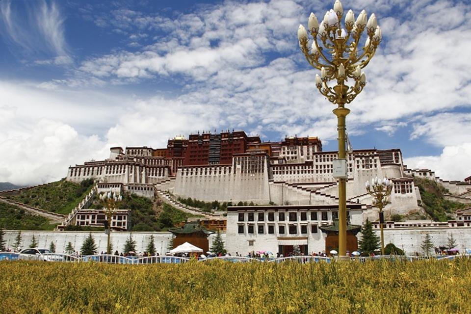 FltGraph Awesome Itinerary 22. 하늘과 맞닿은 도시에서 경건한 불교의 가르침을 마주하다, 티벳의 수도 라싸.