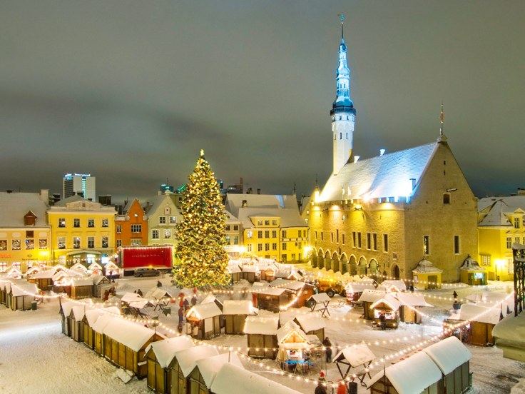 Tallinn_christmas_market.jpeg