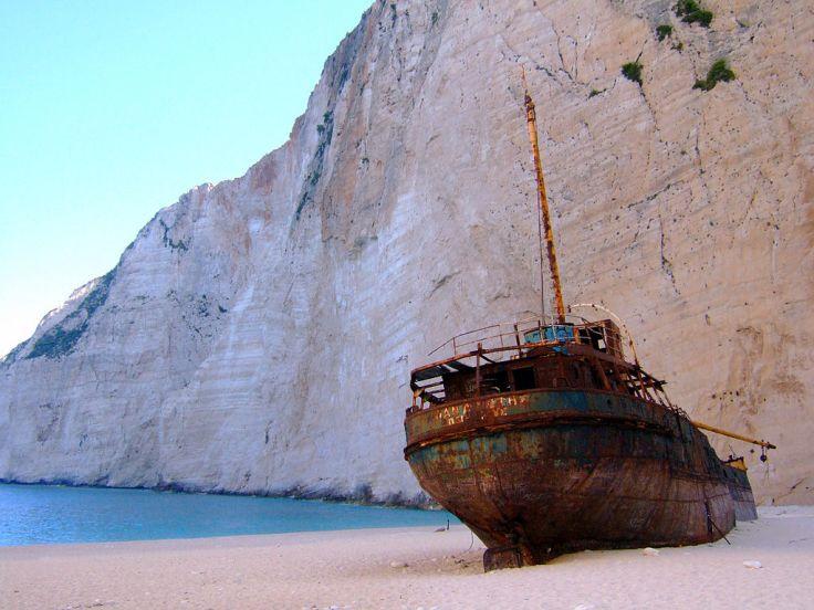 Shipwreck_of_the_Panagiotis_at_Navagio_-_Zakynthos,_Greece
