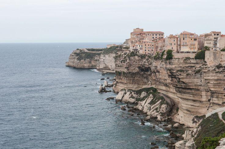 1280px-Bonifacio,_Corsica_(8132692551).jpg