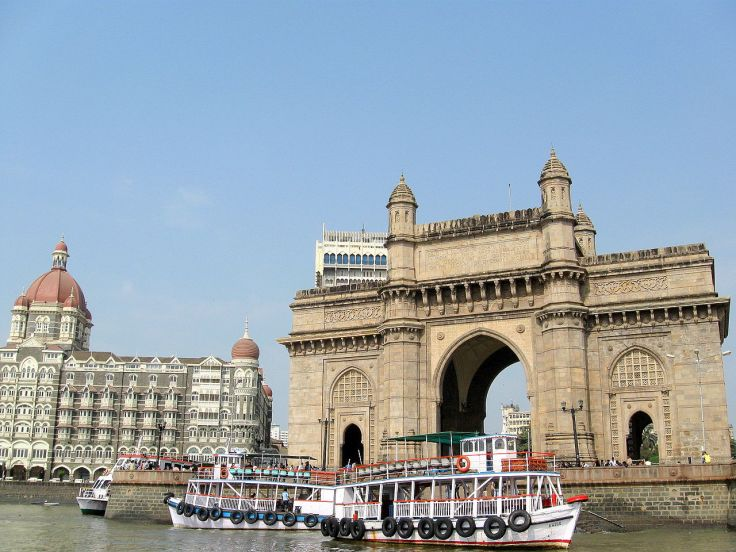 1280px-Mumbai-_gateway_of_india.JPG
