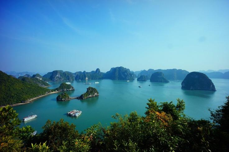 halong-bay-vietnam-593840_960_720.jpg