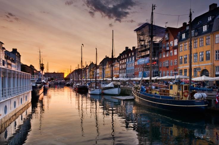 Nyhavn_Copenhagen_2014_03