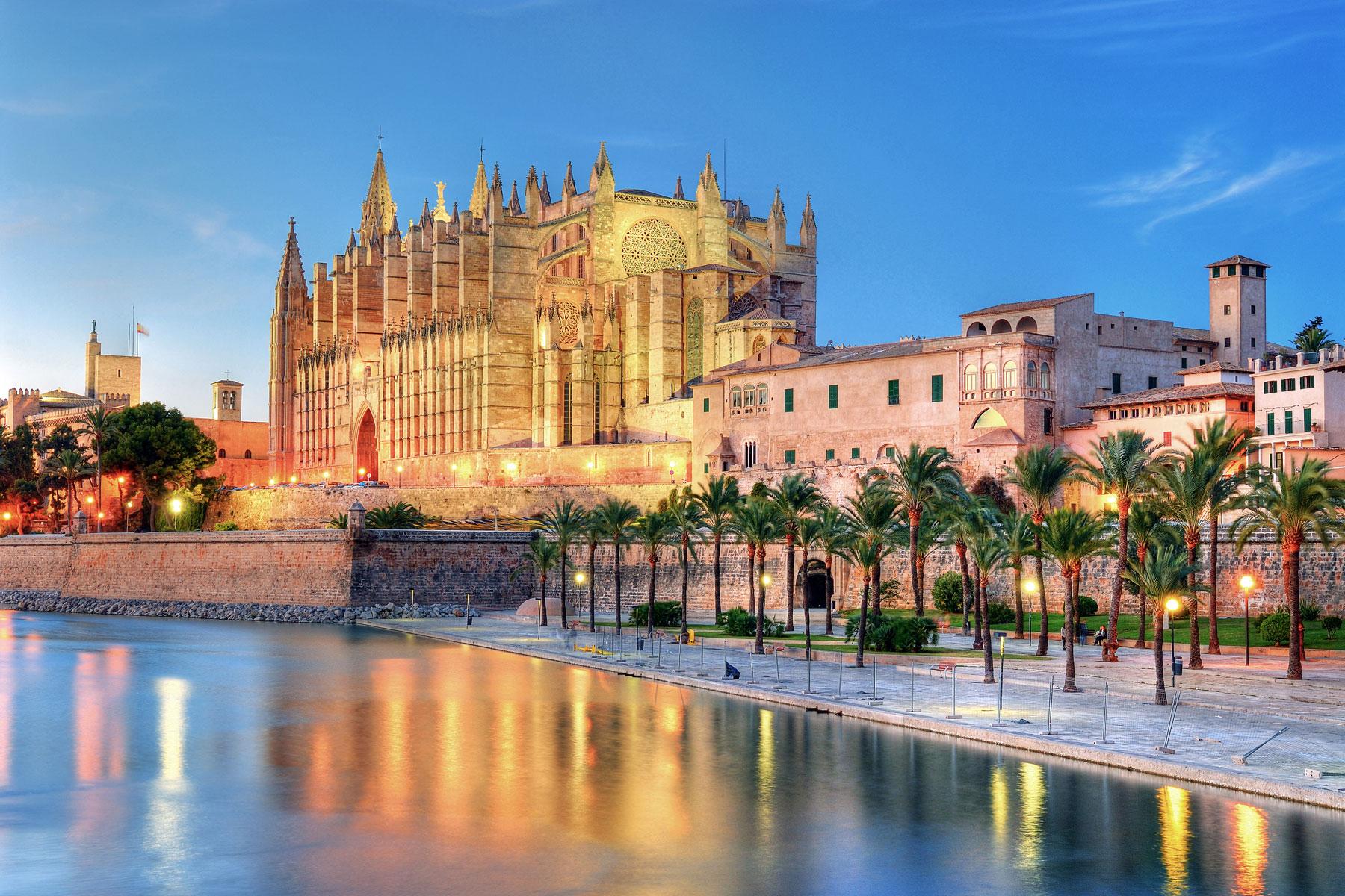 4개 도시와 함께 여행하는 스페인 마요르카-FltGraph 항공권 추천 86