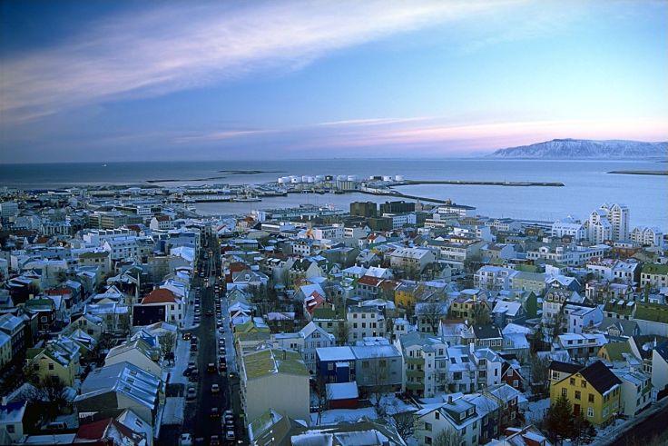 1280px-Reykjavík_séð_úr_Hallgrímskirkju.jpeg