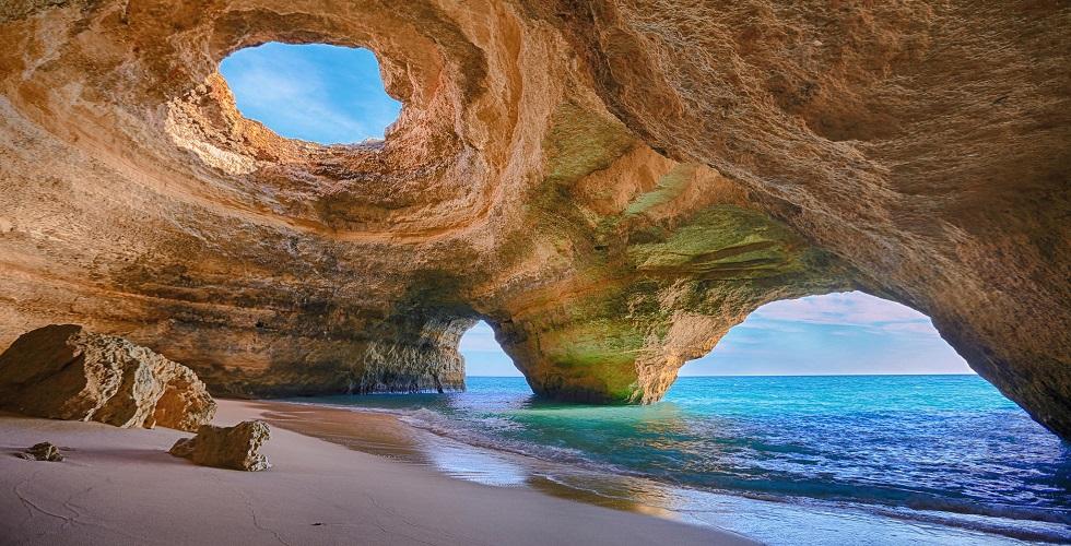 Benagil_Cave,_Algarve_blog
