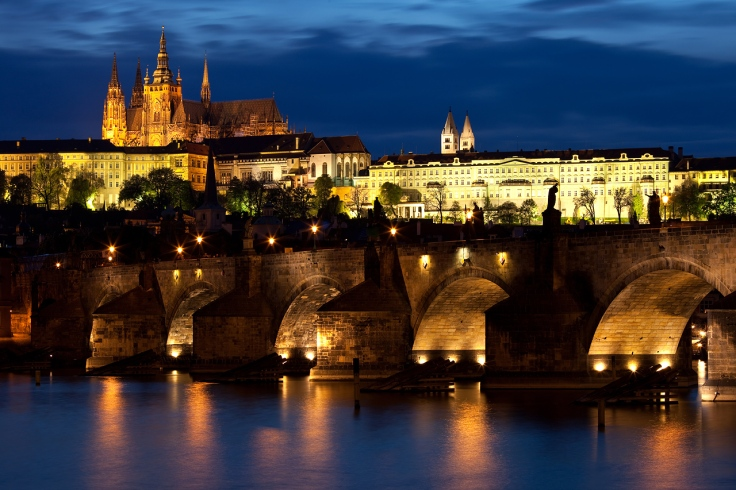 Charles_bridge_Prague_-_tunliweb.no.jpg