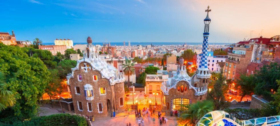 spain_barcelona_park_guell_in_barcelona_h1
